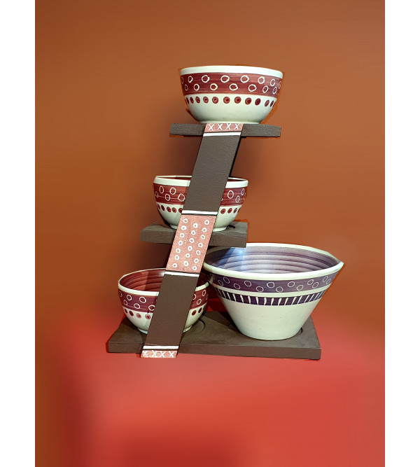 WOODEN STAND WITH 4 BOWLS