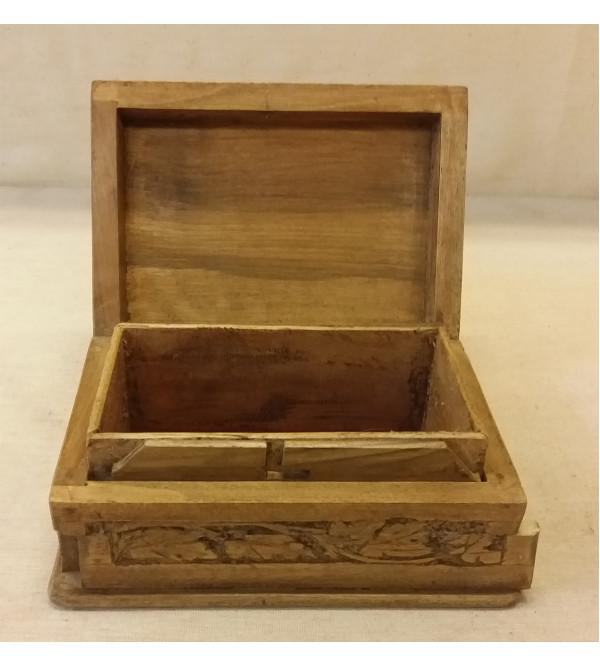 BOX walnut carved 6x4 inch