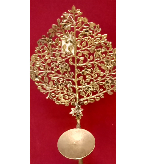 Decorative Flower Piece Handcrafted In Brass Size 27 Inches