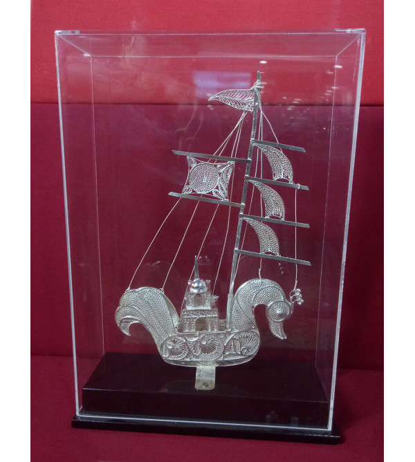 Silver Filigree Kalinga Boat Packed in Acrylic case. Purity 85%. Size 12x9 Inches (with acrylic case)