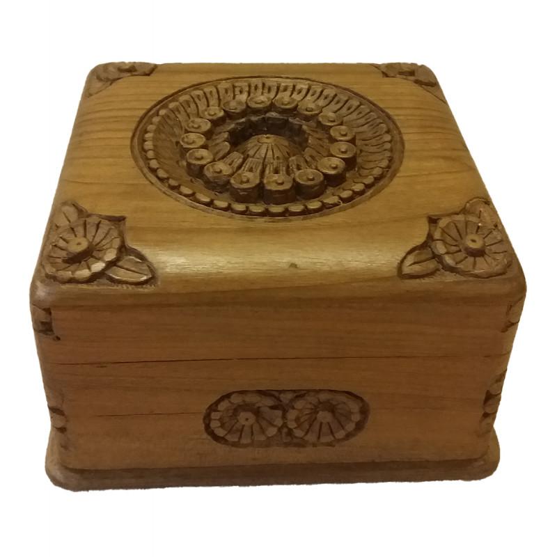BOX walnut 5x5