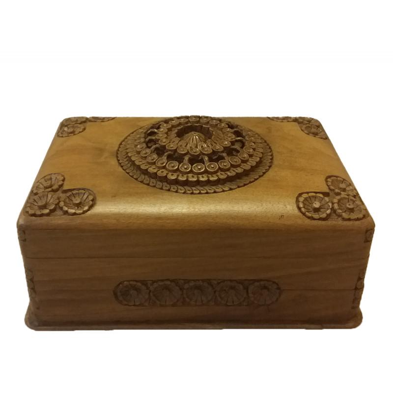 BOX walnut carved 9x6 inch