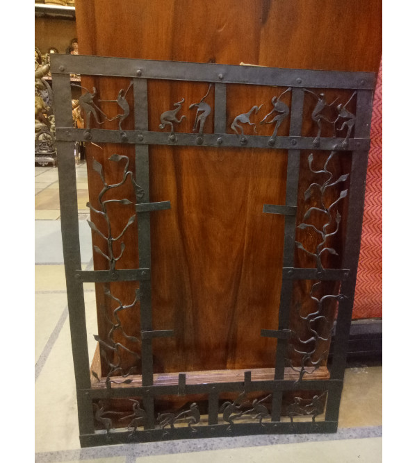 Iron Photo Frame Handcrafted In Bastar Art Size 25 Inches