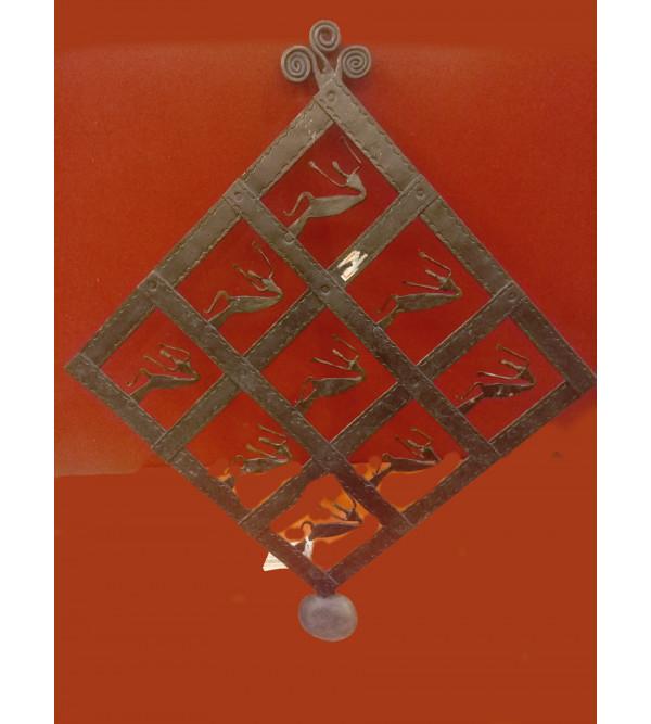 Key Hanger Handcrafted In Bastar Art