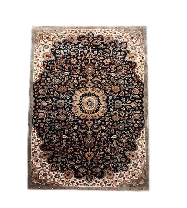 Bhadohi  Woolen Hand Knotted carpet Size 5.7 ft. x4.1 ft.