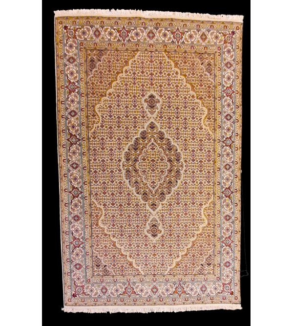 Bhadohi  Woolen Hand Knotted carpet Size 6.7 ft x4.8 ft