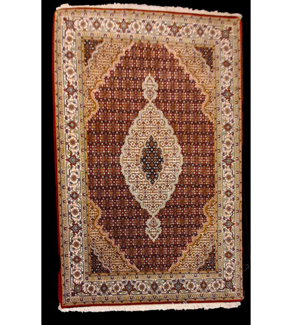 Bhadohi  Woolen Hand Knotted carpet Size 6.10 ft. x4.11 ft.