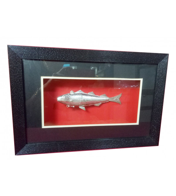 Silver Fish Packed In Wooden Frame, 85% silver Purity , Size 15x10""